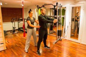 Naprapatia on tuki- ja liikuntaelinvoivojen ammattimaista kuntoutusta